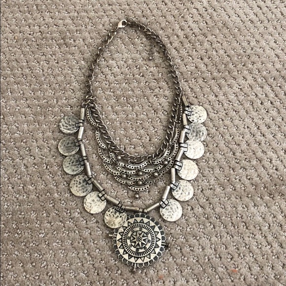 Forever 21 Jewelry - Forever 21 Medallion Necklace